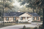 Traditional House Plan Front Image - Country Style Ranch House | Country Ranch Style Home