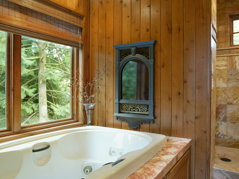 Luxury House Plan Master Bathroom Photo 01 - Cliffwood Trail Lodge Home 011S-0001 | House Plans and More