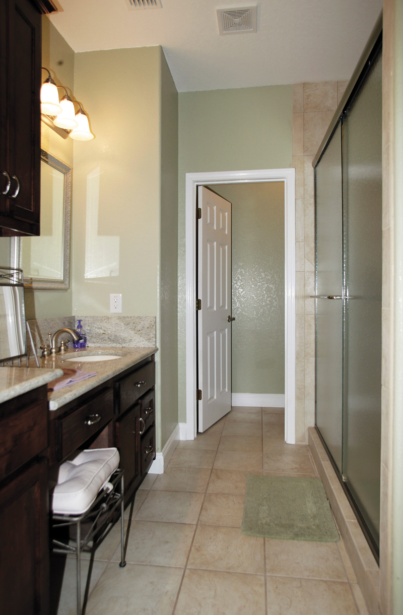 Country House Plan Master Bathroom Photo 01 - Ellisport Ranch Home 013D-0015 | House Plans and More
