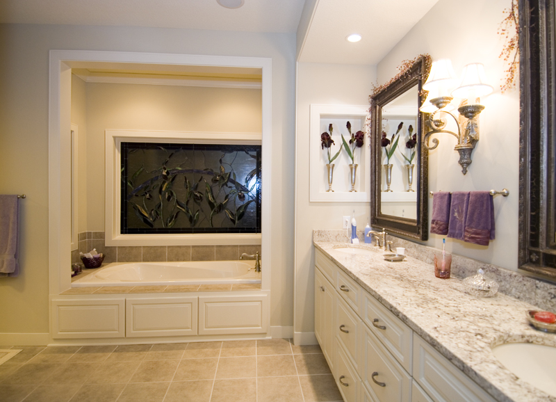 Traditional House Plan Master Bathroom Photo 01 - Winborn Luxury Home 013S-0001 | House Plans and More