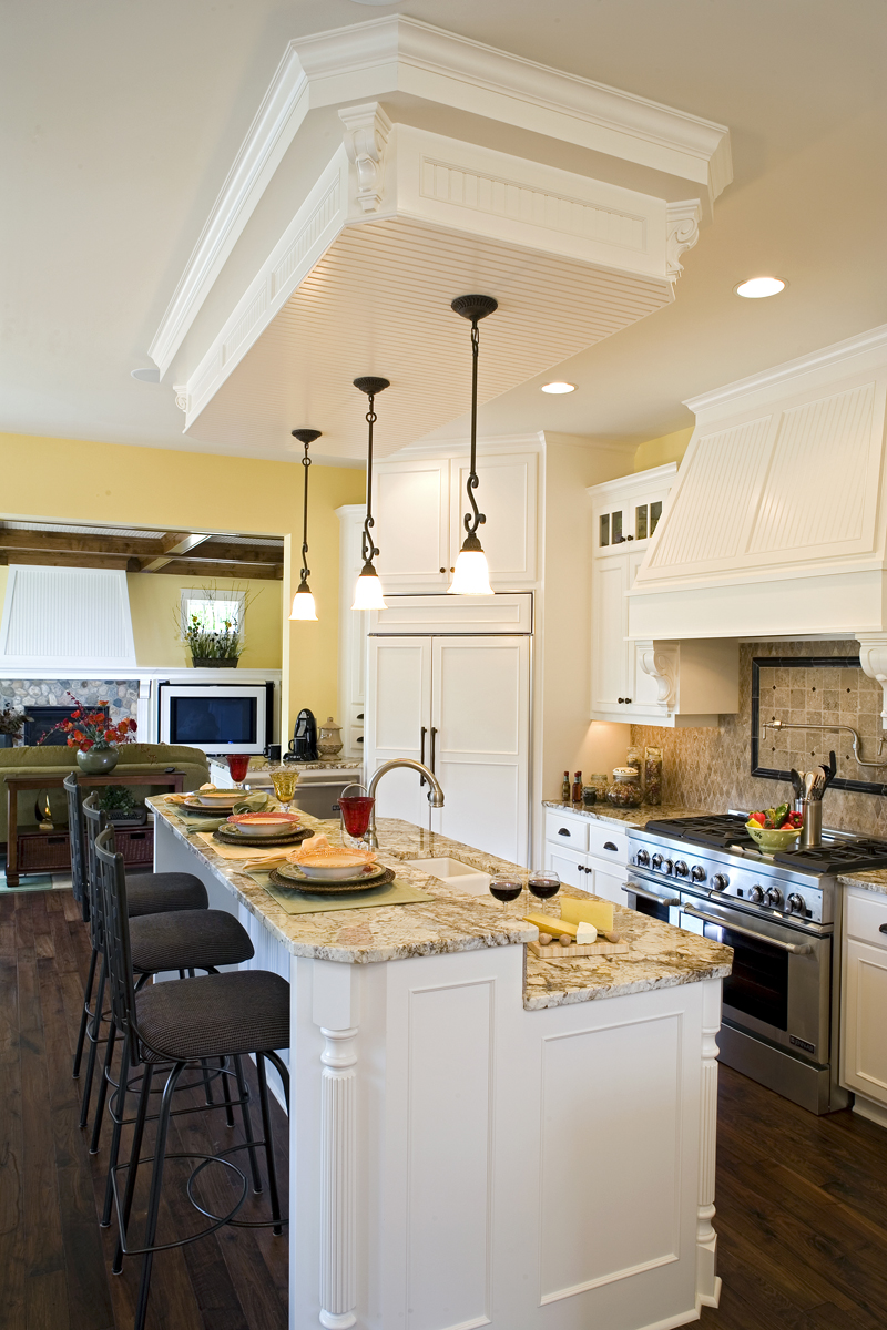 Luxury House Plan Kitchen Photo 03 - Clarksdale Luxury Home 013S-0008 | House Plans and More