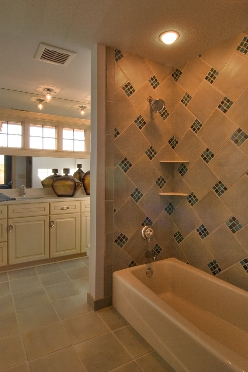 Craftsman House Plan Bathroom Photo 02 - Waterstone Luxury Home 013S-0009   House Plans and More