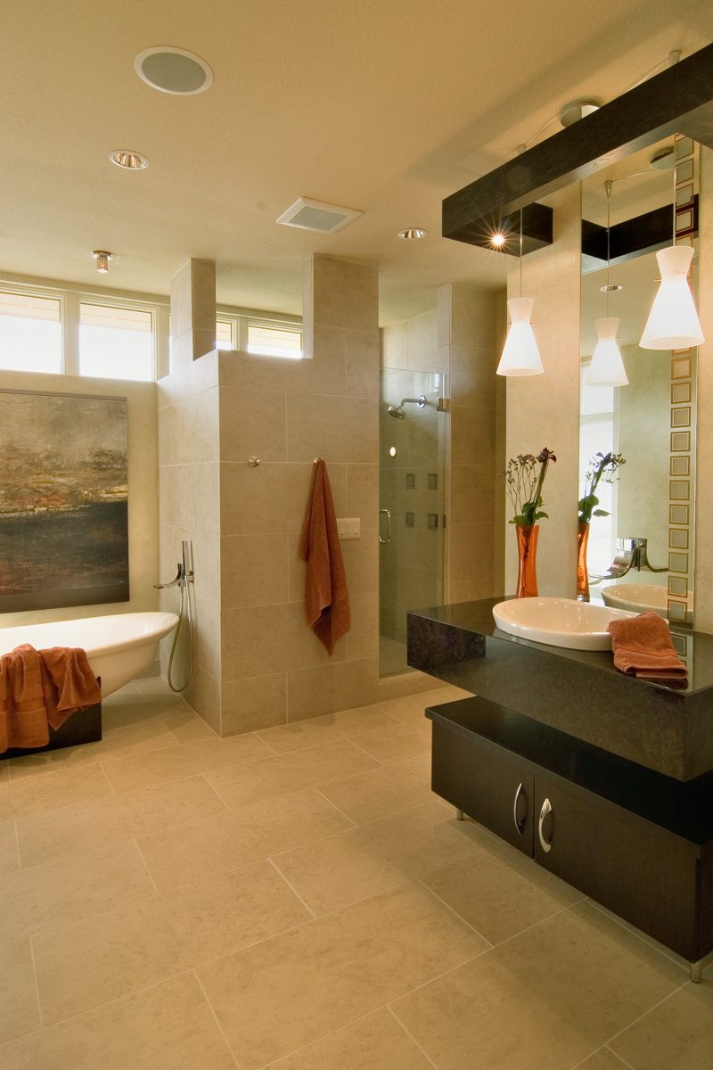 Craftsman House Plan Master Bathroom Photo 01 - Sidney Field Modern Home 013S-0011 | House Plans and More