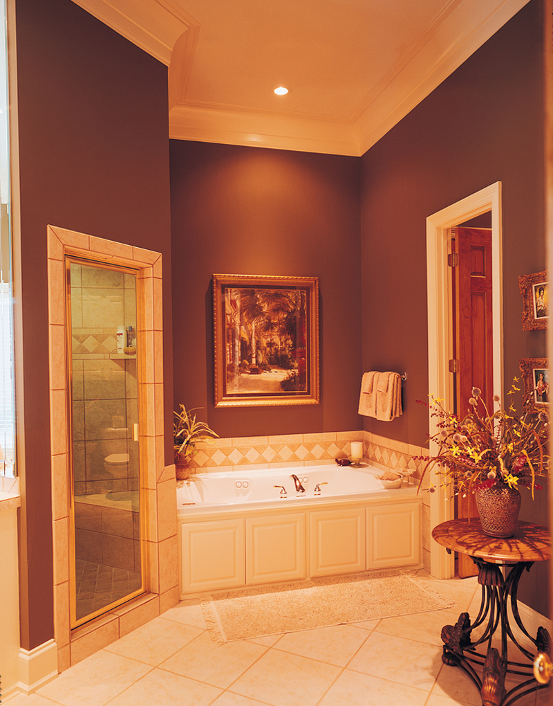 Georgian House Plan Bathroom Photo 01 - Keatington Southern Home 020S-0001 | House Plans and More