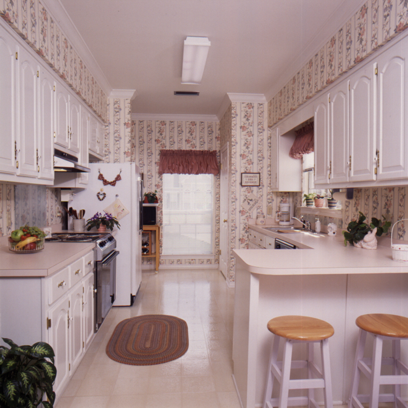 Saltbox House Plan Kitchen Photo 02 - Fort Mill Country Salt Box Home 024D-0042 | House Plans and More