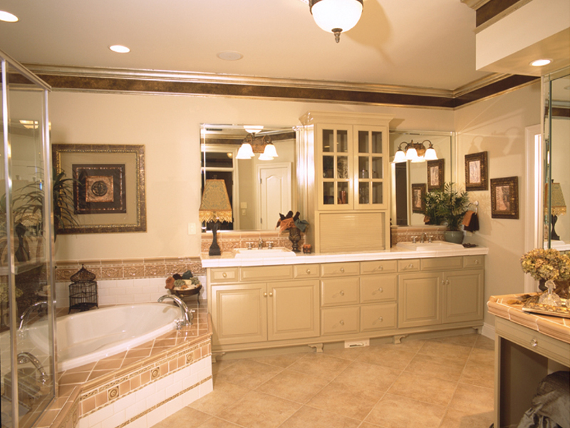 Traditional House Plan Master Bathroom Photo 01 - Cedar Vista Craftsman Home 024D-0055 | House Plans and More