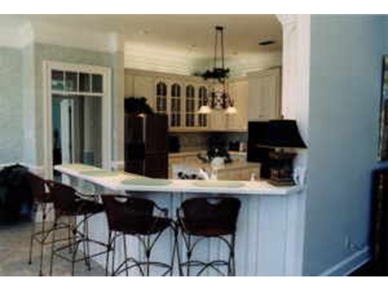 Kitchen Photo 02 -  024D-0638 | House Plans and More