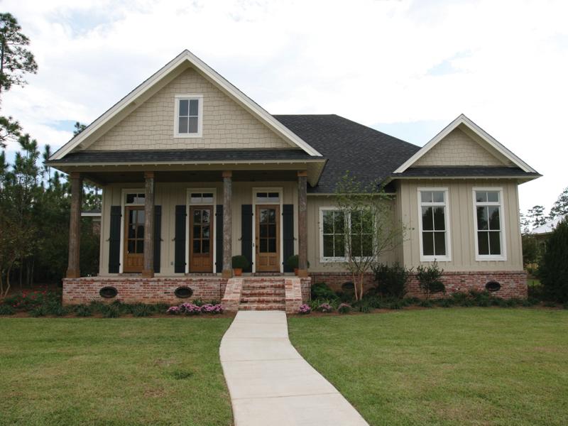 Home Has Unique Triple Doors Across The Front