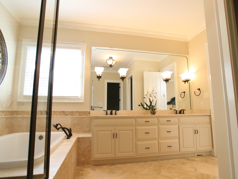 Acadian House Plan Master Bathroom Photo 02 - Damascus Southern Country Home 024D-0797   House Plans and More