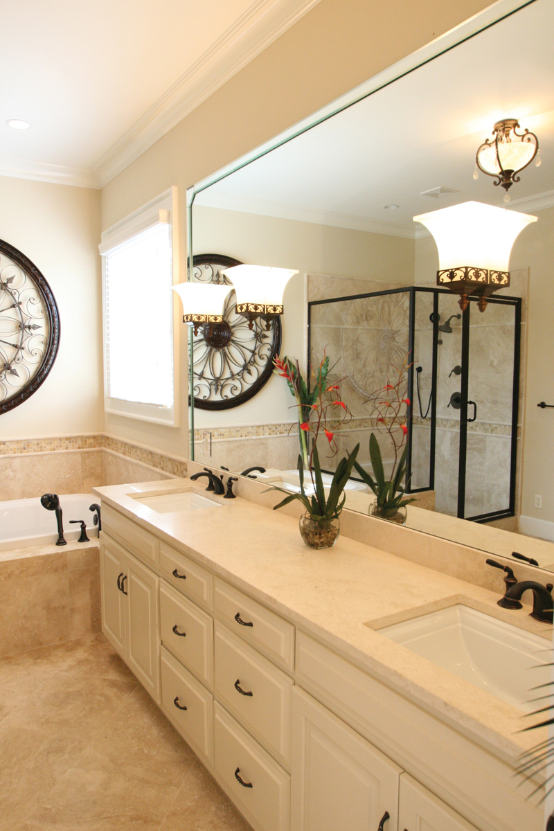 Acadian House Plan Master Bathroom Photo 03 - Damascus Southern Country Home 024D-0797   House Plans and More