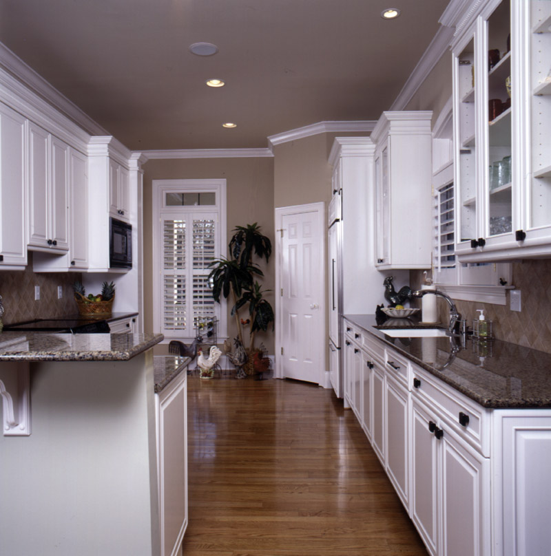 Arts & Crafts House Plan Kitchen Photo 01 - Heritage Manor Southern Home 024S-0001 | House Plans and More