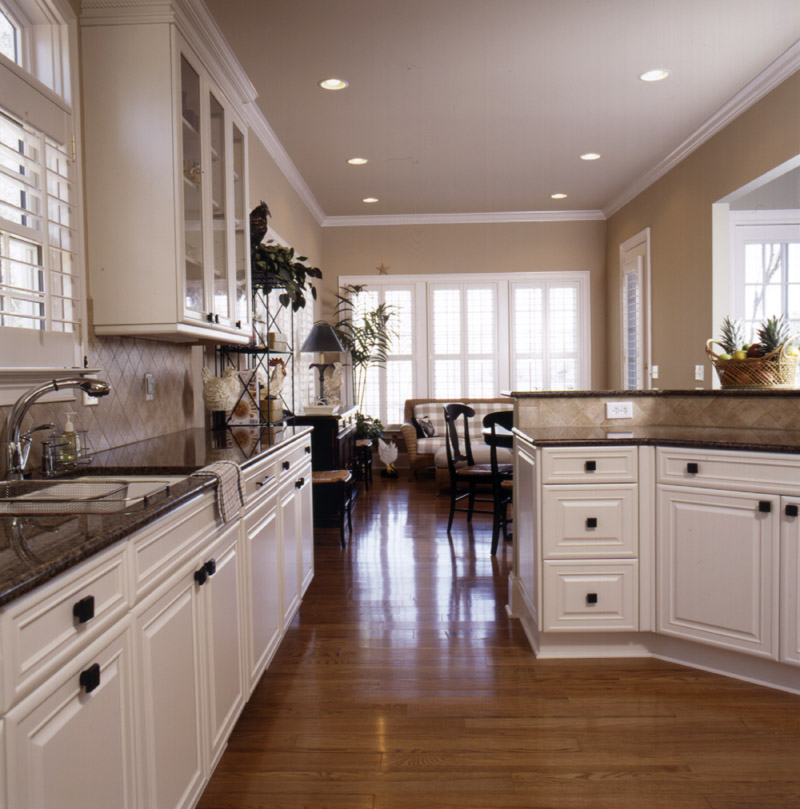 Southern House Plan Kitchen Photo 02 - Heritage Manor Southern Home 024S-0001 | House Plans and More