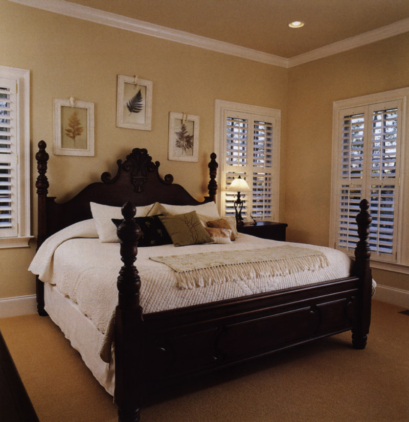 Arts & Crafts House Plan Master Bedroom Photo 02 - Heritage Manor Southern Home 024S-0001 | House Plans and More