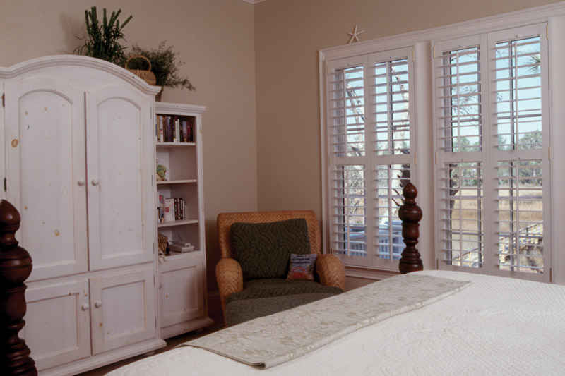 Arts & Crafts House Plan Master Bedroom Photo 03 - Heritage Manor Southern Home 024S-0001 | House Plans and More