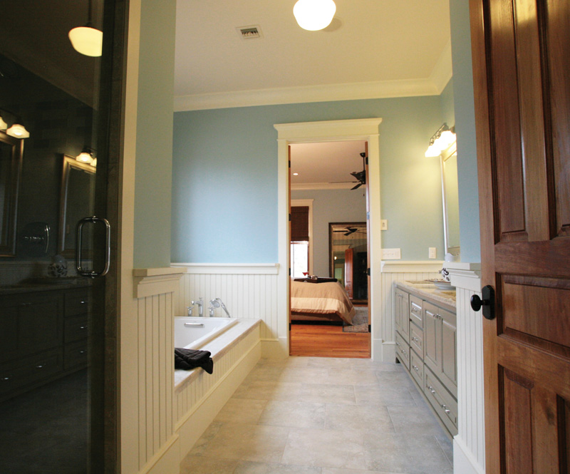 Traditional House Plan Master Bathroom Photo 01 - Hamilton Creek Green Home 024S-0024 | House Plans and More