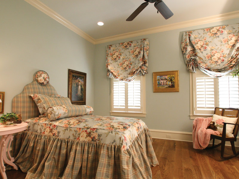 Arts & Crafts House Plan Bedroom Photo 03 - Briley Southern Craftsman Home 024S-0025 | House Plans and More