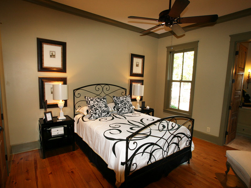 Luxury House Plan Bedroom Photo 07 - Dickerson Creek Rustic Home 024S-0026 | House Plans and More