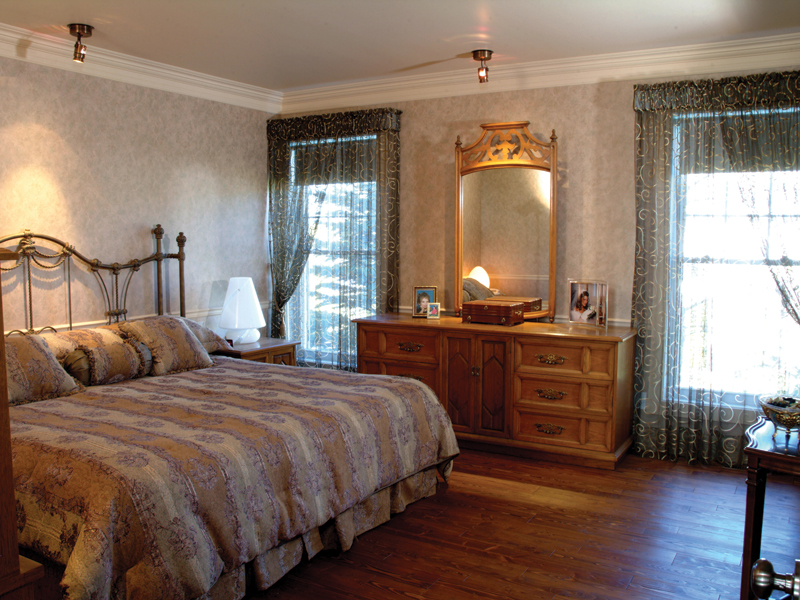 Sunbelt Home Plan Master Bedroom Photo 01 - Kennywood Craftsman Home 032D-0609 | House Plans and More