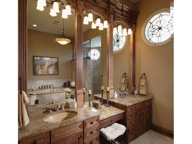 Sunbelt Home Plan Master Bathroom Photo 01 - Hamburg Hill Luxury Home 051D-0544 | House Plans and More