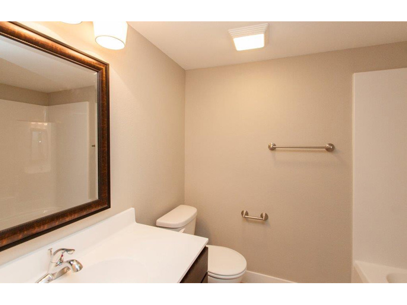 Sunbelt Home Plan Bathroom Photo 02 - Sereno Italian Ranch Home 051D-0831 | House Plans and More