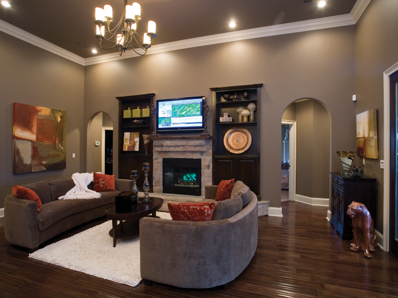 Traditional House Plan Great Room Photo 01 - Luxury One Story House | Traditional Ranch House