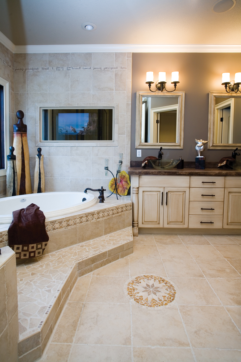 Ranch House Plan Master Bathroom Photo 01 - Luxury One Story House | Traditional Ranch House