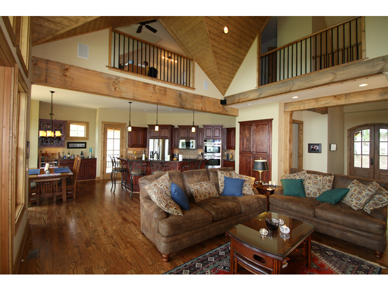 Arts & Crafts House Plan Great Room Photo 03 - 056D-0118 | House Plans and More