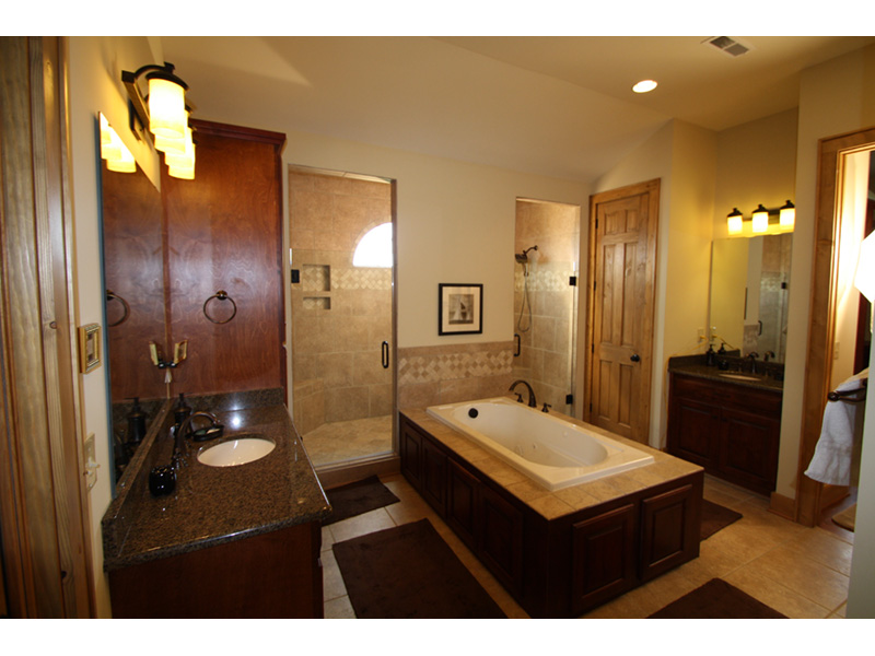 Arts & Crafts House Plan Master Bathroom Photo 01 - 056D-0118 | House Plans and More