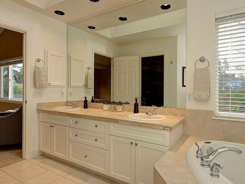 Victorian House Plan Master Bathroom Photo 02 - Lynnbrook Shingle Style Home 071D-0101 | House Plans and More