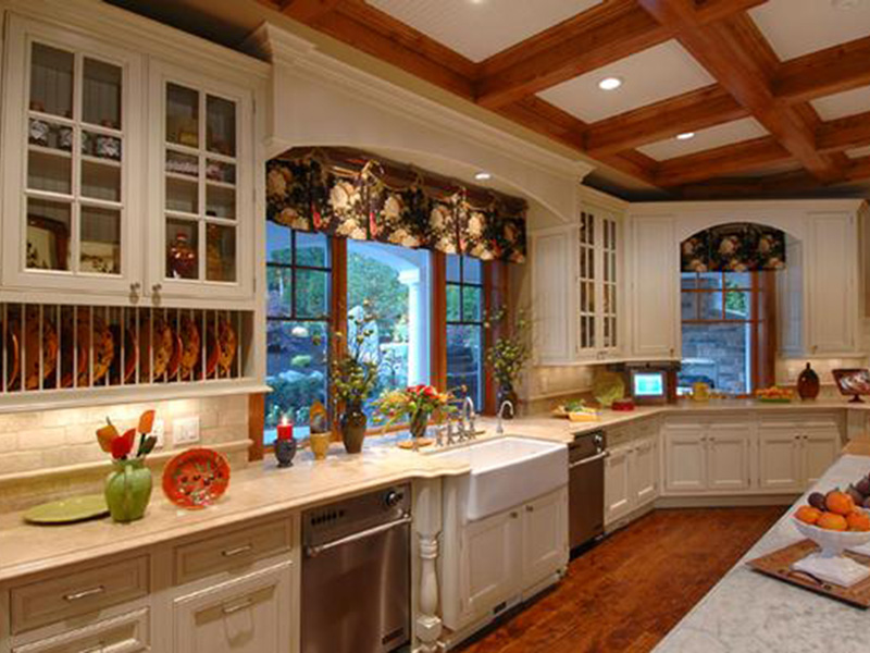 Traditional House Plan Kitchen Photo 01 - Horton Manor Luxury Home 071S-0001 | House Plans and More