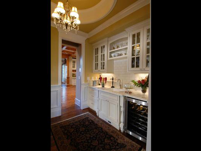 Traditional House Plan Kitchen Photo 02 - Horton Manor Luxury Home 071S-0001 | House Plans and More