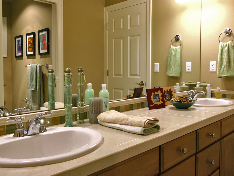 Victorian House Plan Bathroom Photo 01 - Hailey Spring Craftsman Home 071S-0006 | House Plans and More