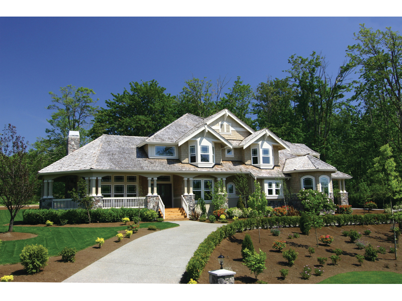 Grand Home Design With Majestic Arts & Crafts Style