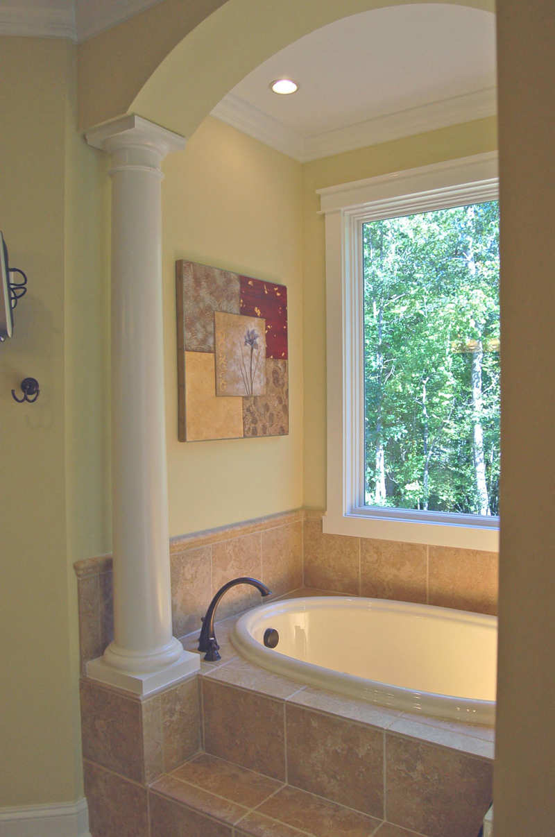 Luxury House Plan Master Bathroom Photo 02 - Lemonwood Arts And Crafts Home 076D-0204 | House Plans and More