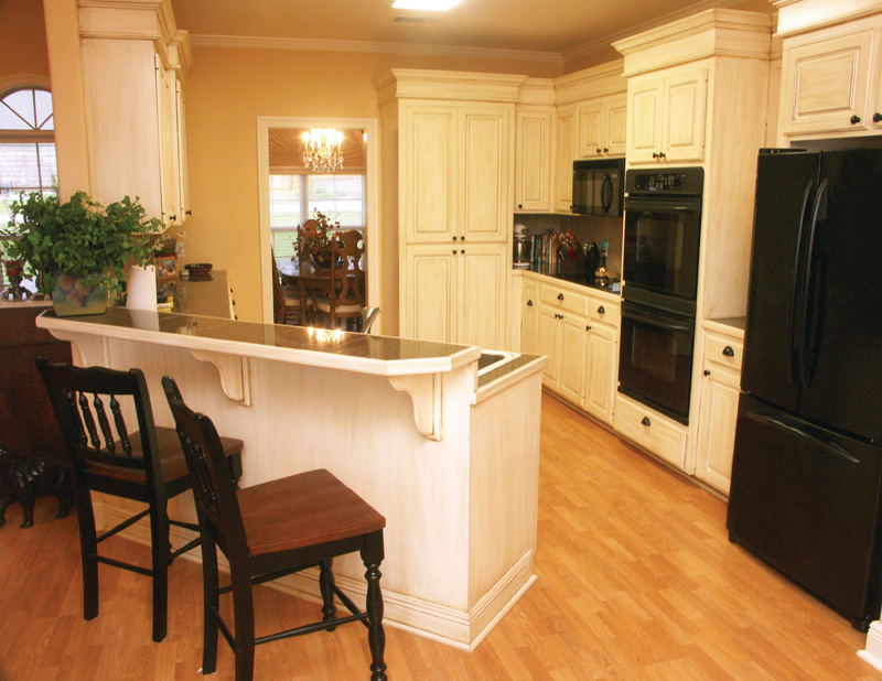 Ranch House Plan Kitchen Photo 02 - Vassier Ranch Home 077D-0002 | House Plans and More