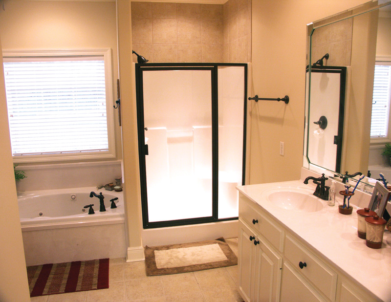 Ranch House Plan Master Bathroom Photo 01 - Vassier Ranch Home 077D-0002 | House Plans and More