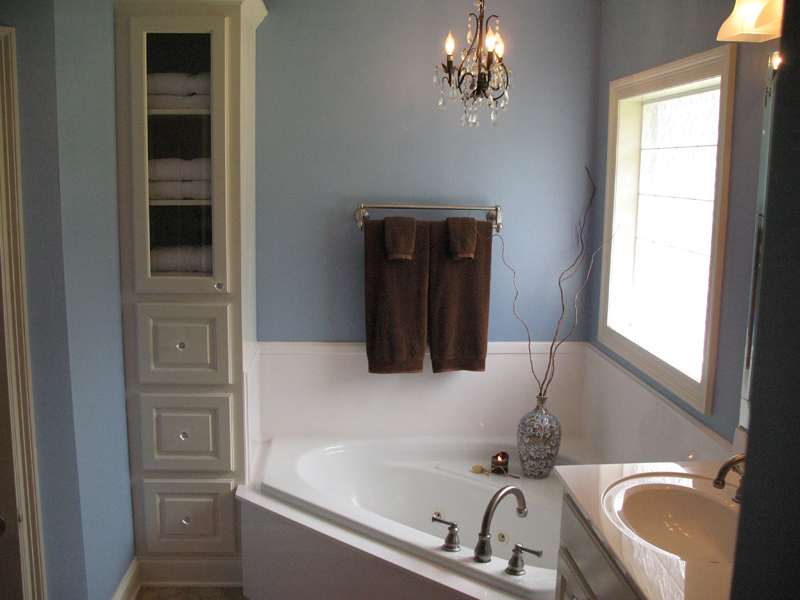 Traditional House Plan Master Bathroom Photo 01 - Haddonfield Country Home 077D-0097 | House Plans and More