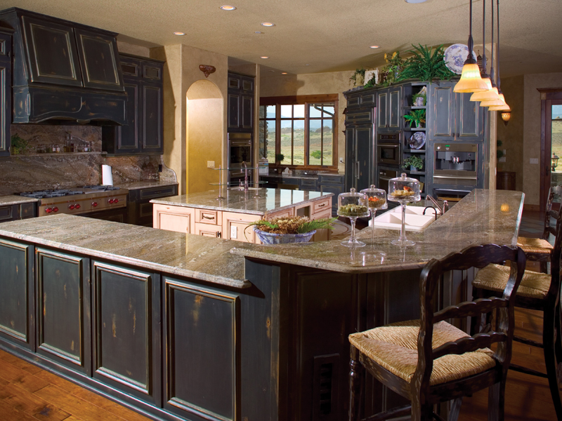 Mountain Home Plan Kitchen Photo 01 - Colima Manor Mountain Home 101S-0005 | House Plans and More
