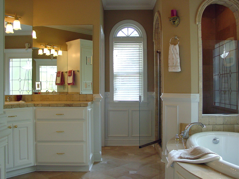 Traditional House Plan Master Bathroom Photo 01 - Drew Plantation Southern Home 111D-0025 | House Plans and More