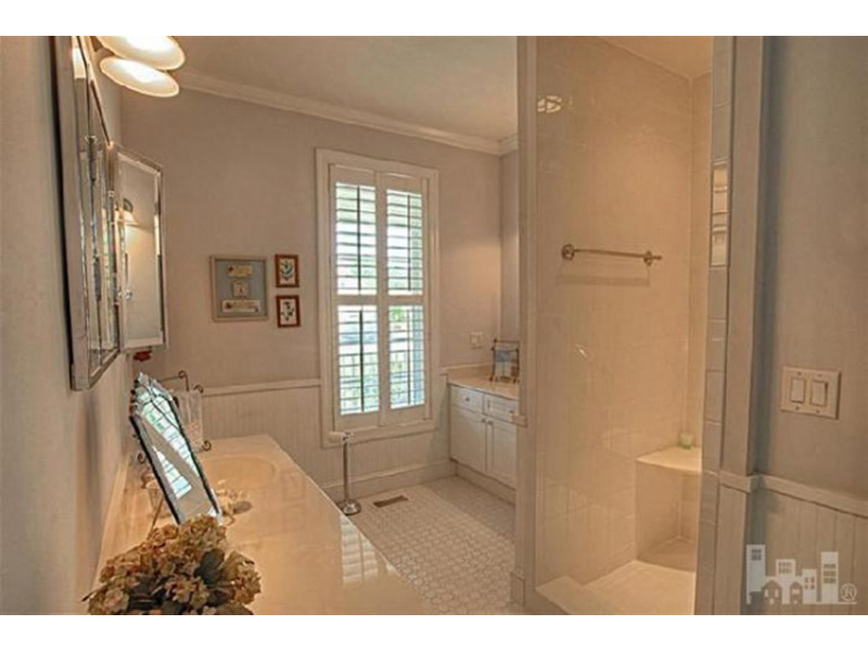 Ranch House Plan Master Bathroom Photo 01 - Backbay Cottage Country Home 128D-0017   House Plans and More